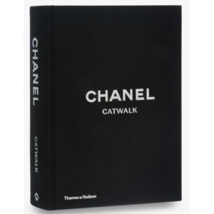 Chanel Catwalk book -...